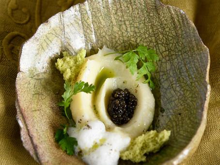 Mousseline de cerfeuil tubéreux au caviar d'Aquitaine