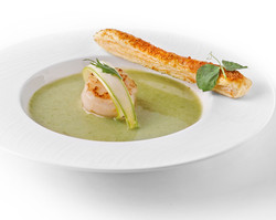 Green Peas Soup with Cheese Puff