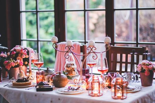 7 StrategiesFor Rising Above Holiday Family Drama