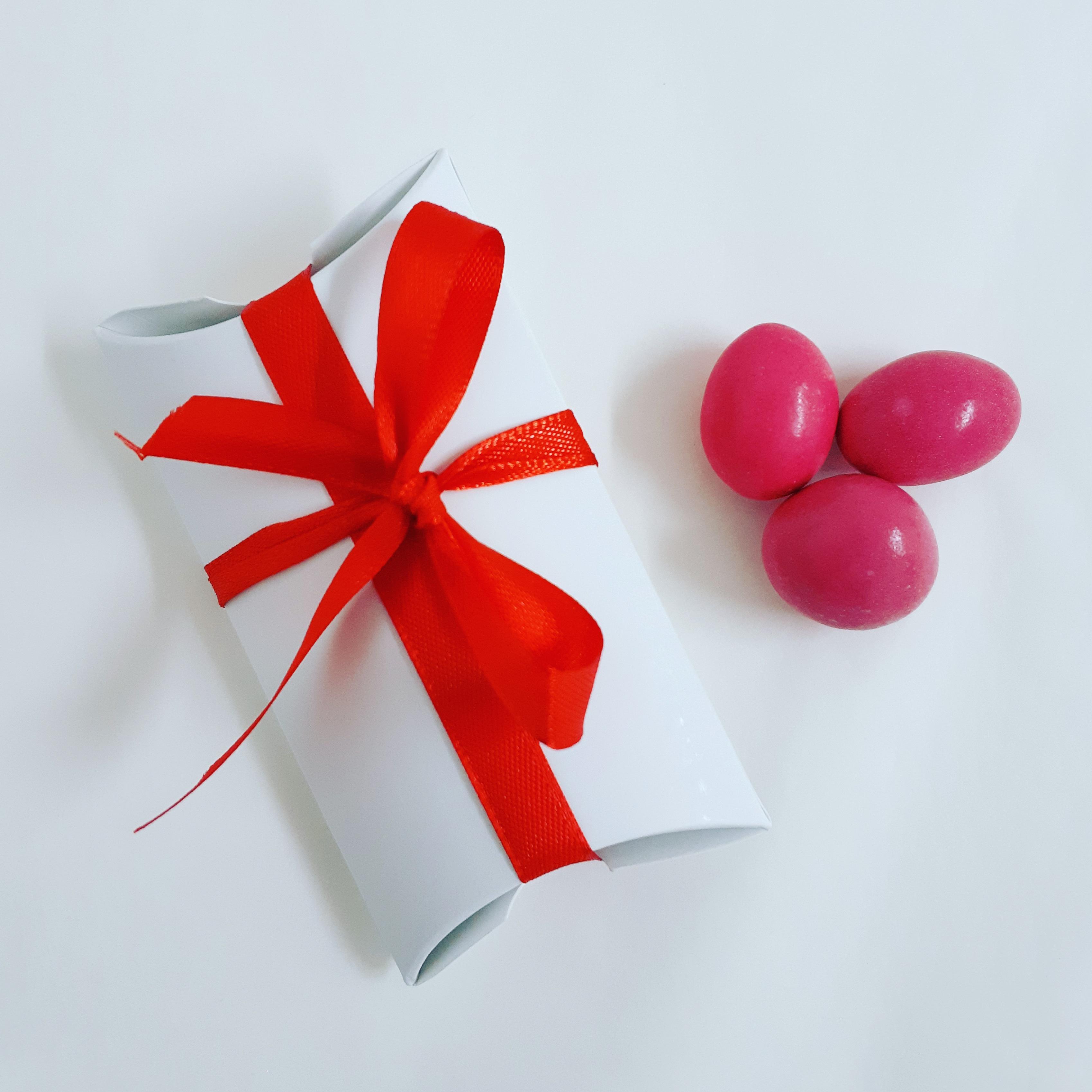 Estruche cartón con bombonesCHG