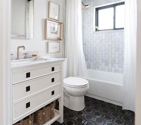 Beautiful Tiled Bath