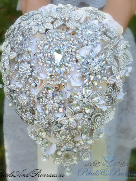 White Vintage-Style Cascade Brooch Bouquet