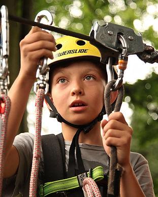 alpinismo-alpinista-arbol-434400.jpg