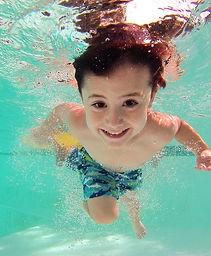 kid-1401157_1280_edited.jpg