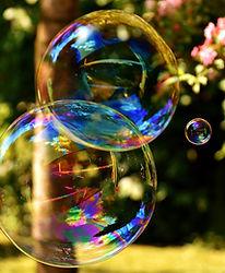 soap-bubble-2403673_1920.jpg