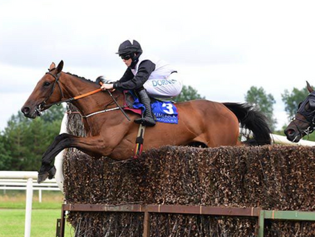 Gin On Lime cruises to hat-trick at Limerick
