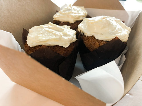CARROT CAKE MUFFIN WITH CREAM CHEESE ICING