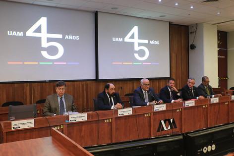 Dr. Fernando de León González, Dr. Mariano García Garibay, Dr. Eduardo Peñalosa Castro, Lic. Andrés Massieu Fernández, Dr. Pablo Basáñez García y Mtro. Rodrigo Serrano Vásquez