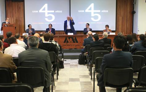Dr. Andrés Estrada Alexanders, Dr. Rodrigo Díaz Cruz, Dr. Eduardo Peñalosa Castro, Dr. José Antonio De los Reyes Heredia y Mtra. Maricela Jimenéz García