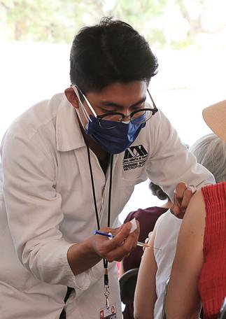 La Unidad Xochimilco sede de vacunación contra SARS CoV-2 en la alcaldía  Coyoacán. 24_03_21_UX  Foto: Archivo UAM-DCS / Alejandro Juárez Gallardo.