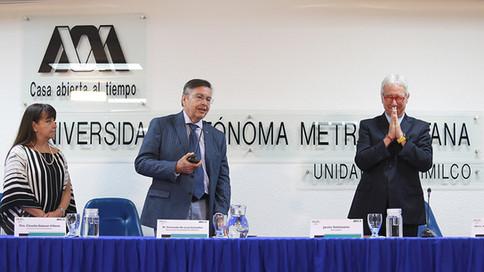 Dra. Claudia Salazar Villava, Dr. Fernando de León González y el Periodista Javier Solórzano