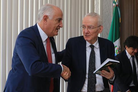 Dr. Eduardo Peñalosa Castro, rector general de la UAM; Dr. Manuel Peimbert Sierra