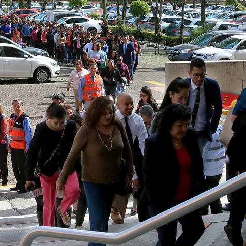 Macrosimulacro de sismo en la Rectoría General de la Universidad Autónoma Metropolitana.  Foto: Archivo UAM-DCS / Alejandro Juárez Gallardo.