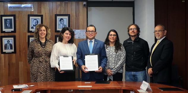 Firma de convenio UAM-Universidad de Regina, Canadá.  Foto: Archivo UAM-DCS / Alejandro Juárez Gallardo
