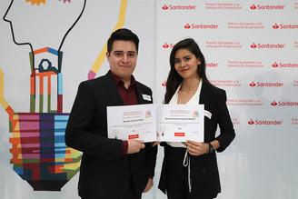 Egresados Naomi Trechuelo y Ranulfo Varela