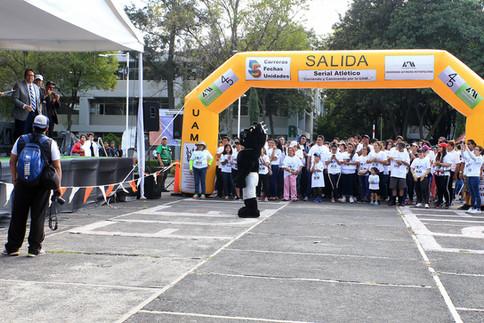 Serial atlético corriendo y caminando por la UAM.  Foto: Archivo UAM-DCS / Alejandro Juárez Gallardo.