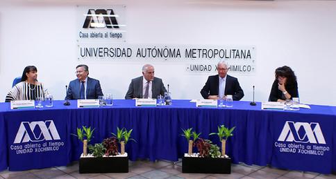 Dra. Claudia Salazar Villava, Dr. Fernando de León González, Dr. Eduardo Peñalosa Castro, Periodista Javier Solórzano y la Mtra. Mónica Rodríguez Cárdenas