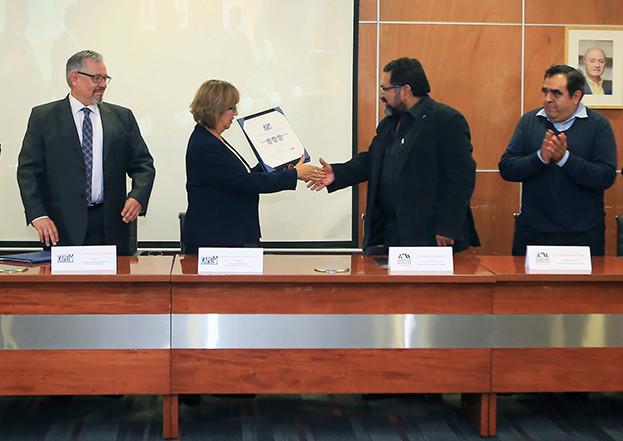 La Licenciatura en Matemáticas Aplicadas de la Unidad Cuajimalpa recibió la acreditación por parte del Consejo de Acreditación de Programas Educativos en Matemáticas (CAPEM), en una ceremonia efectuada en la Sala de Consejo Académico de esa sede universitaria.  Foto: Archivo UAM-DCS / Alejandro Juárez Gallardo.