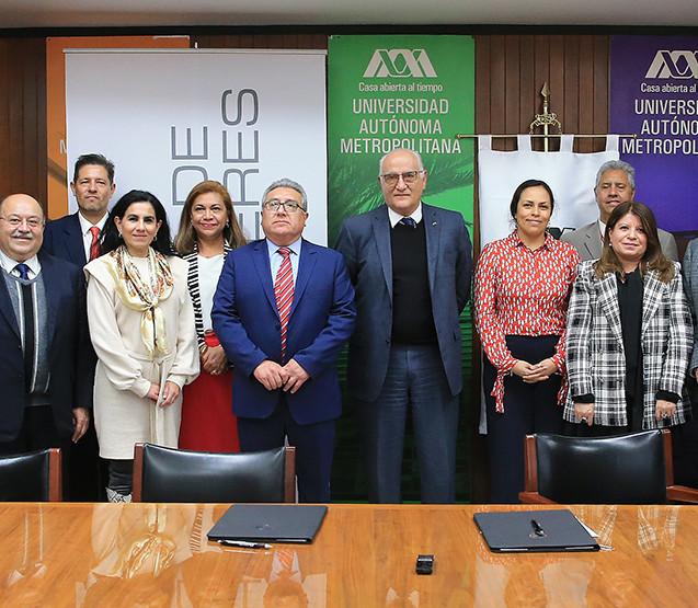 Firmaron el Convenio General de Colaboración entre el Colegio de Bachilleres y la Uiversidad Autónoma Metropolitana.   Foto: Archivo UAM-DCS / Alejandro Juárez Gallardo.