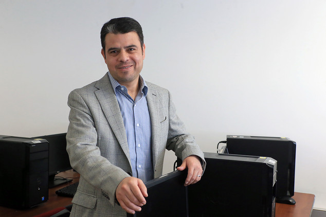 Dr. Adolfo Zamora Ramos