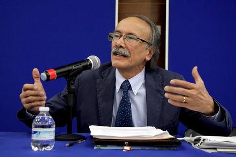 Dr. Darío Salinas