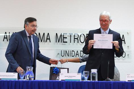 Dr. Fernando de León González y el Periodista Javier Solórzano