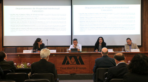 Participaron en el Coloquio Los Sistemas de Información de las Bibliotecas de la UAM en la era digital.   Foto: Archivo UAM-DCS / Alejandro Juárez Gallardo.