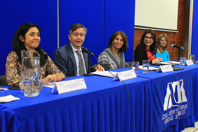 Dra. Angélica Buendía Espinosa, Dr. Fernando de León González, Mtra. Dolly Espínola Frausto, Dra. Carmen Enedina Rodríguez Armenta y Dra. Patricia Couturier Bañuelos