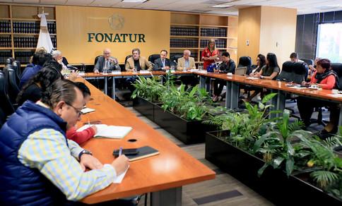 La Universidad Autónoma Metropolitana y el Fondo Nacional de Fomento al Turismo firmaron un convenio general de colaboración, para impulsar proyectos específicos conjuntos en torno a la construcción del Tren Maya en el sureste de México.  Foto: Archivo UAM-DCS / Alejandro Juárez Gallardo.