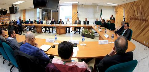 Entrega de reconocimientos a los ganadores del XXVIII Premio a la Docencia.  Foto: Archivo UAM-DCS / Alejandro Juárez Gallardo.