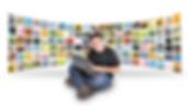 Homem sentado e ao fundo váriaos quadrados representando matérias de revistas