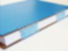 Caderno azul com espirais