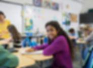 หญิงสาวในห้องเรียน