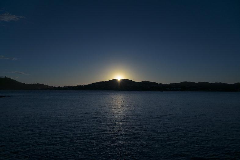 Coucher de soleil mer catamaran bateau soirée dîner Saint-Raphaël