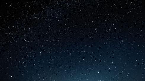 Sortie en mer sous les étoiles, ciel étoilée, nuit noire