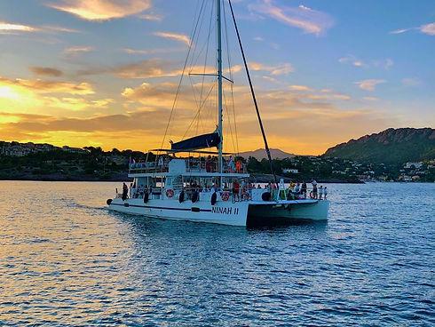 Catamaran Ninah II AMC CAPE GRACE coucher de soleil sortie en mer