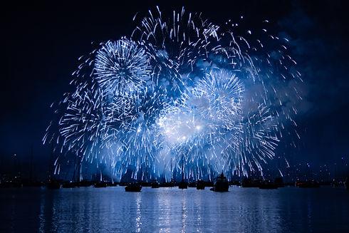feu d'artifice en mer sortie en bateau saint-raphaël