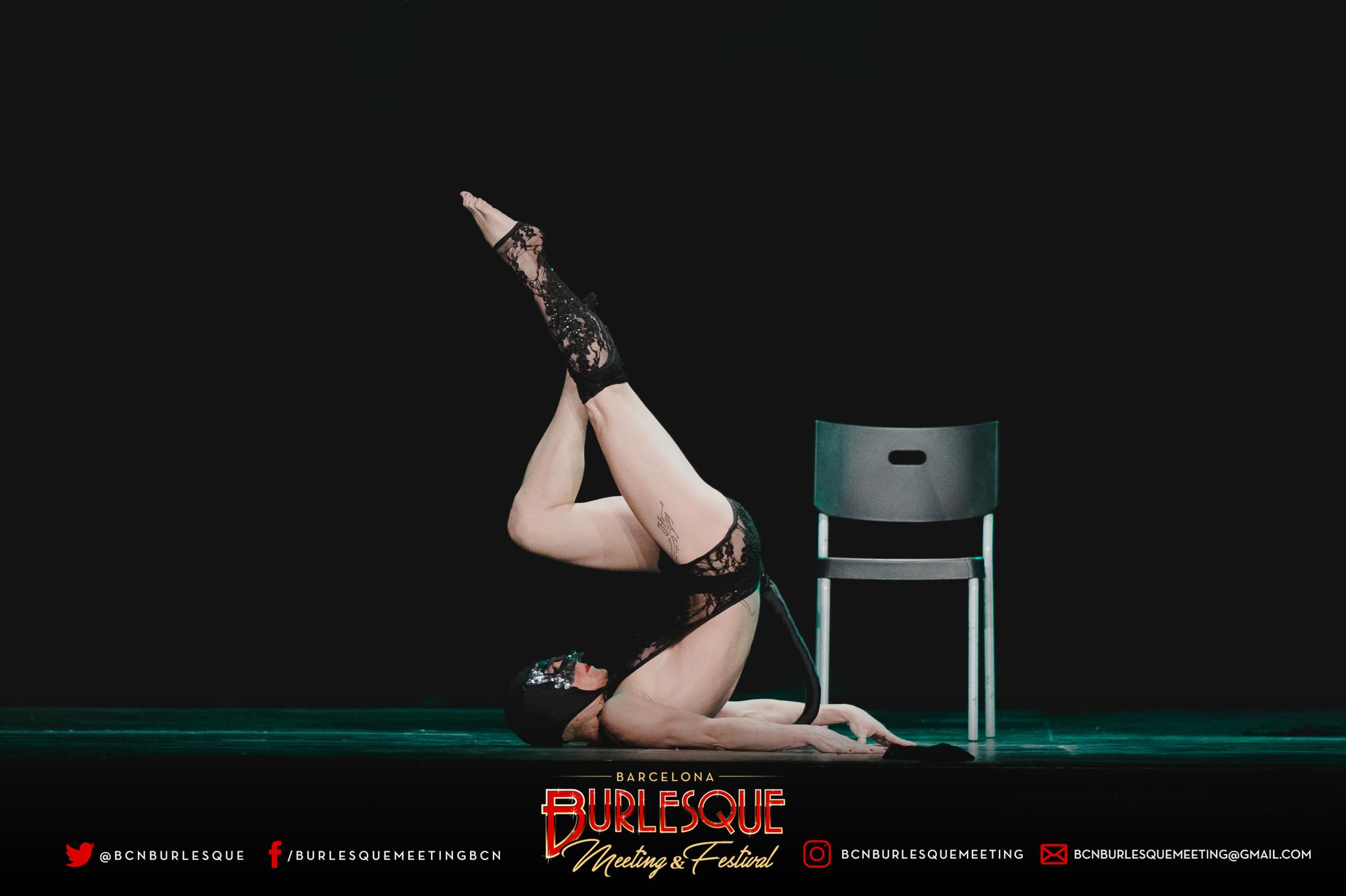 BURLESQUE-V-0276