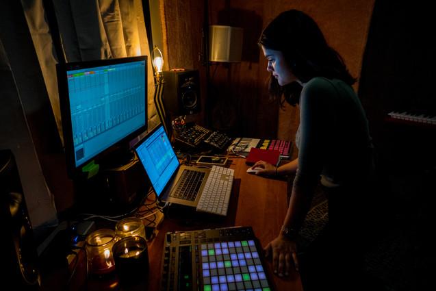 Daiza in the Studio