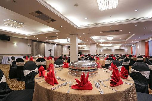 Ballroom-Wedding-Events-Hotel-Sri-Petali