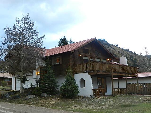Caribel Trail Lodge 19.jpeg