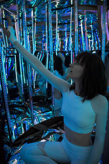 Alice in the Infinite