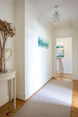 Interiors that reflect the nearby ocean