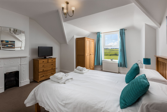 Gorgeous double bedroom with countryside views