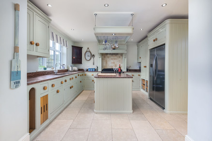 Large, well-appointed kitchen