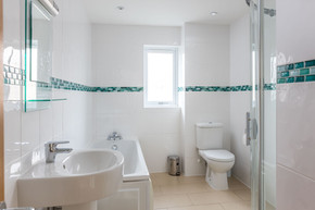 Wash away the day in the modern bathroom