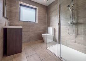 En-suite bathroom showing walk in shower