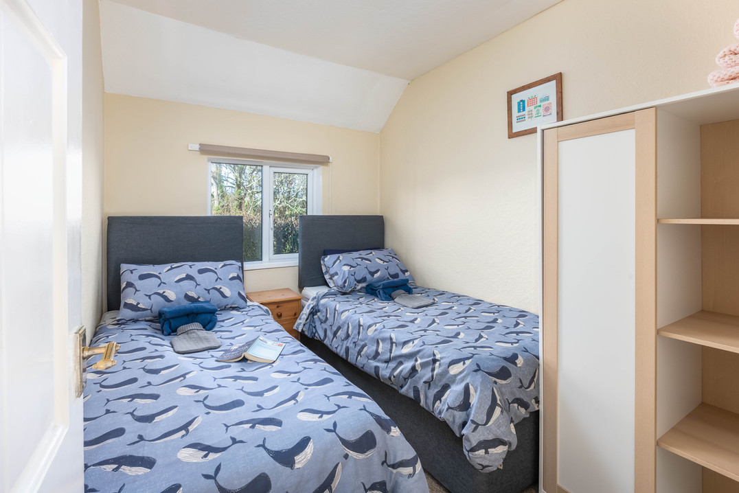 Twin, single bed configuration that can be convered to a super king, just let us know when booking.