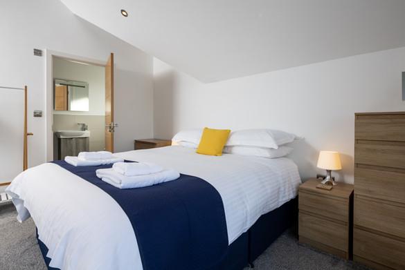 Double bed with en suite