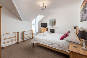 A comfortable double bedroom